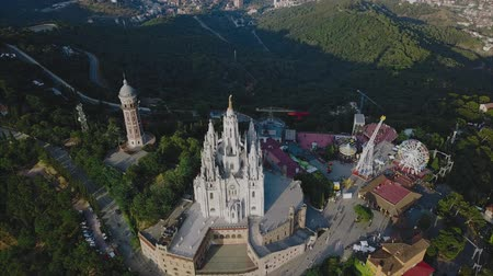 sagrado : Tibidabo mountain, Barcelona, Catalonia, Spain. Vídeos