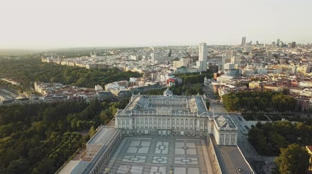 palacio real : royal palace in madrid