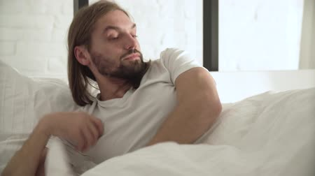 пробуждение : Man Sleeping, Waking Up In Morning In Bed With White Linens