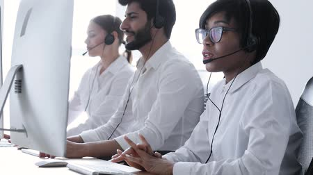 garniture : Call center. People In Headsets Working At Customer Support Service, Consulting Clients Online