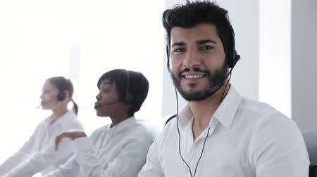 garniture : Contact Center. Operator In Headset At Workplace