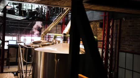 пивоваренный завод : Brewery Enterprise. Beer Brewing At Modern Equipment. Beer Production With Cistern