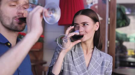 red wine : Couple Drinking Wine At Restaurant