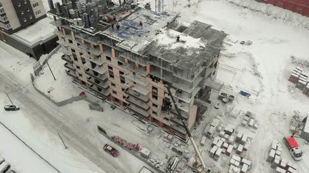 осмотр : aerial survey of the construction site Стоковые видеозаписи