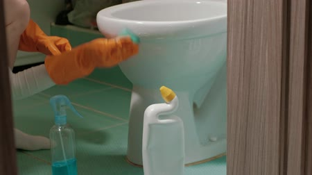bowls : bathroom and toilet cleaning Stock Footage