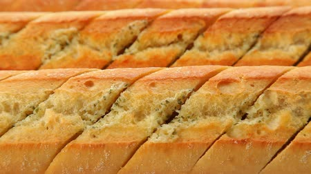 vaj : Fresh baked garlic bread
