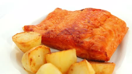 fritos : Salmon fried with potatoes
