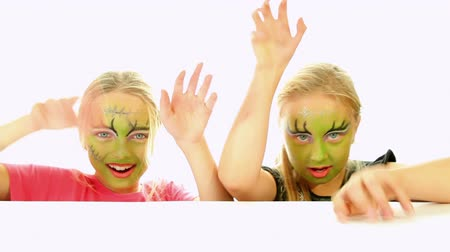 kostüm : Scary little green girls for Halloween - trick or treat