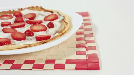 йогурт : Strawberry pancake with yogurt Стоковые видеозаписи