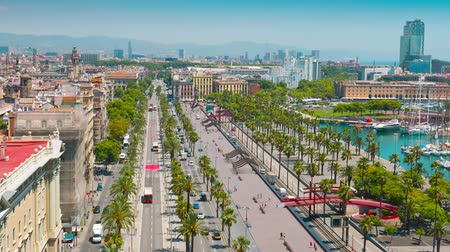 Барселона : Barcelona skyline aerial view, establishing shot city streets traffic