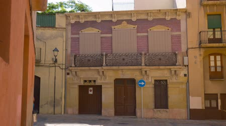 uliczka : Tarragona in Spain, spanish old town house establishing shot Wideo