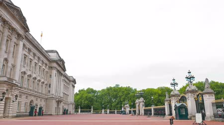 buckingham palace : Buckingham Palace in London, City of Westminster