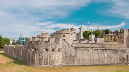 saray : The Tower of London - Royal Palace and powerful fortress. London