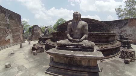 polonnaruwa : Video 1920x1080p - Interior of an abandoned ancient Buddhist temple. Sri Lanka