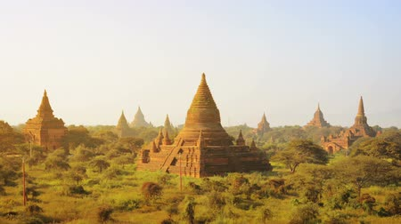 mianmar : Video 1920x1080 - Ancient temples at the sunset. Bagan. Myanmar