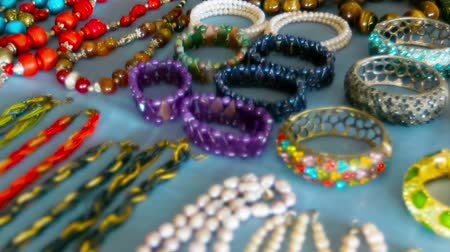 el sanatları : High definition video - Cheap jewelry on the open market. Myanmar