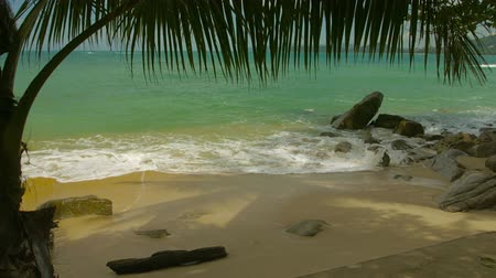 Пхукет : Wild beach without people. Thailand. Phuket Island