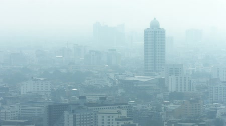 dumanlı sis : Video 1080p  Modern city in smog. The problem of ecology