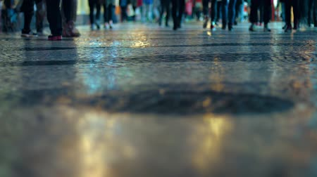 recados : Video FullHD - Shot. taken from a low angle. shows a crowd of strolling pedestrians Stock Footage