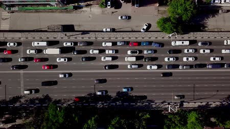 passagem elevada : Drones Eye View - Top down view of urban traffic jam
