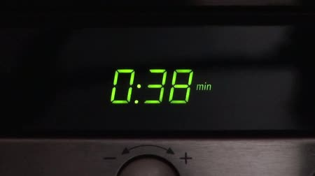 mikrohullámú : digital clock of microwave oven countdown 60 seconds