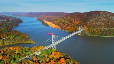 beer : Aerial view of Hudson River and Bear Mountain Bridge in New York State in Autumn with colorful foliage.