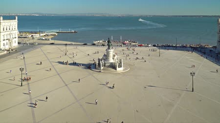 terreiro : LISBON, PORTUGAL - AUGUST 11, 2017: Praca do Comercio (Commerce Square or Terreiro do Paco) is situated near the Tagus river and is a major tourist attraction in downtown Lisbon city.