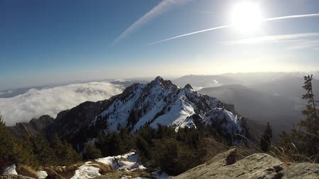 transilvânia : Ciucas mountain ridge, part of the Romanian Carpathian Range, in winter