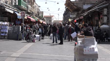 jeruzalém : Mahane Yehuda Market in Jerusalem, Israel. Its a very popular marketplace with locals and tourists alike with more than 250 vendors, sell fresh food and many other goods. Dostupné videozáznamy