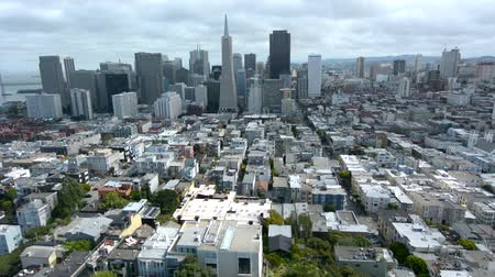Калифорния : Aerial view of San Francisco financial center skyline .Its cultural, commercial and financial center of Northern California.