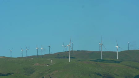 nzl : PALMERSTON NORTH, NZL - DEC 03 2014:Wind turbine in Te Apiti Wind Farm.Each turbine is atop a 70 metre high tower capable of generating 1.65 MW. Stock Footage