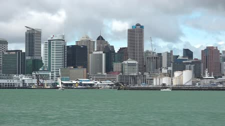 nzl : Auckland Skyline, New Zealand.Auckland has been rated one of the worlds top 10 cities to visit by travel bible Lonely Planet. Stock Footage