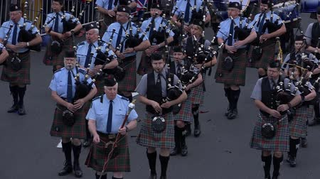 felvidéki : City of sails pipe band. The most common form of pipe band, the ScottishIrish pipe band, consists of a section of pipers playing the great highland bagpipe, a section of drummers.