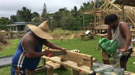 cook islanders : Cook Islanders building a new home in Rarotonga island Cook Islands.