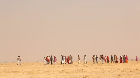 yaslanmak : village poor people in Desert