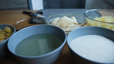 chicote : Preparation of products for making a cake