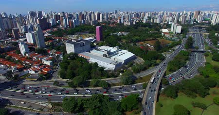 Drone footage of an avenue with a lot of traffic in a big city, 23 May Avenue, Sao Paulo, Brazil, South America Stok Video