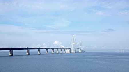 Скандинавия : Big Belt Bridge Crossing between the Danish islands Стоковые видеозаписи