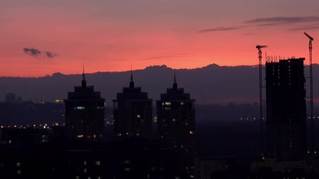 gece vakti : Sunset Silhouette of the Right Bank of Kiev, Ukraine Stok Video