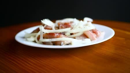 śledź : Herring salad with onion