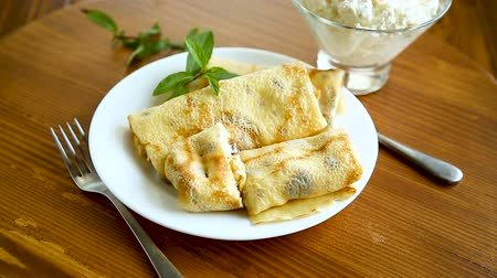 twarożek : sweet fried thin pancakes with cottage cheese inside