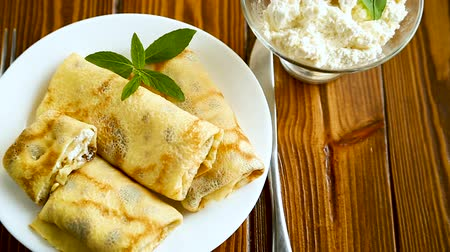 tvaroh : sweet fried thin pancakes with cottage cheese inside