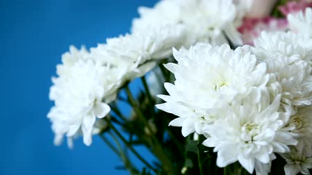 seu : beautiful large bouquet of white chrysanthemums and lisianthus