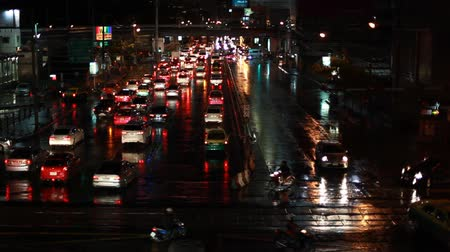 bloklar : Bangkok Traffic At Night After Rain With Room Tone Ambient