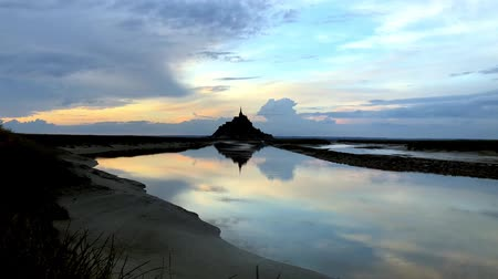 bretagne : Mont Saint Michel. Timelapse over beautiful sunset sky.