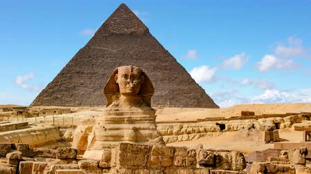sfenks : The Sphinx and Pyramid ,Cairo,Egypt.