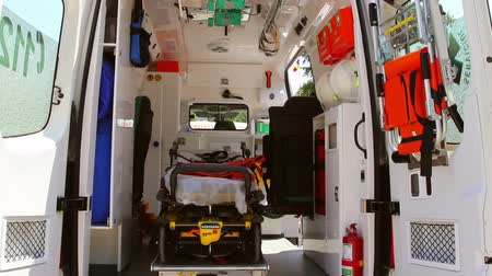ambulância : Ambulance interior