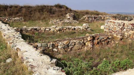 наследие : The ruins of the ancient Geto-Dacian settlement Dinogetia located on the right bank of the Danube in Dobrogea, Romania