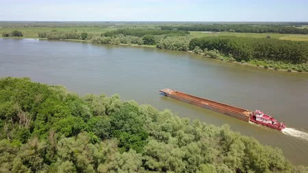 minério : Empty cargo ship on river Danube, aerial view