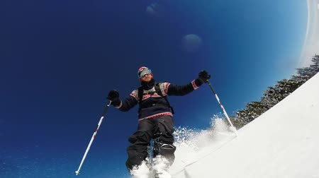 puder : downhill alpine skiing at high speed on powder snow. taken with gopro 3 mounted directly on the ski tip. Wideo